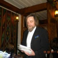 НОВОСТИ сайт PravZnak.  Юрий Веялис раздает подарки.  Загружено 2 лет назад - Ссылки - Пожаловаться на содержание.